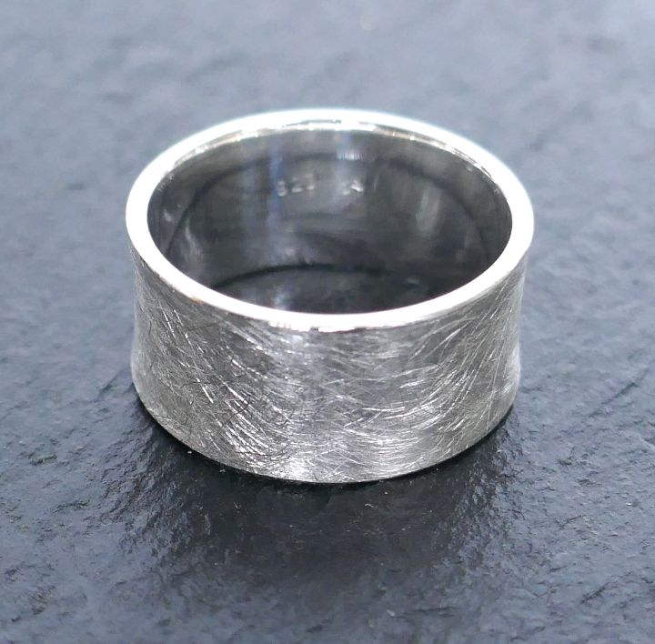 Silberring konkaves Profil