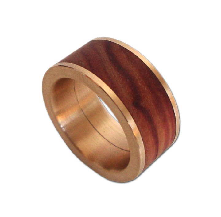Ring in Rotgold mit Holz
