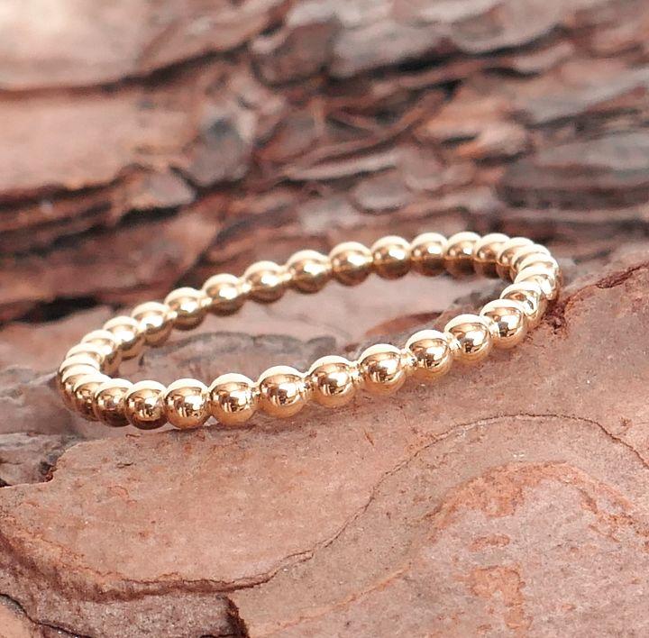 Ring aus Perldraht in Rotgold