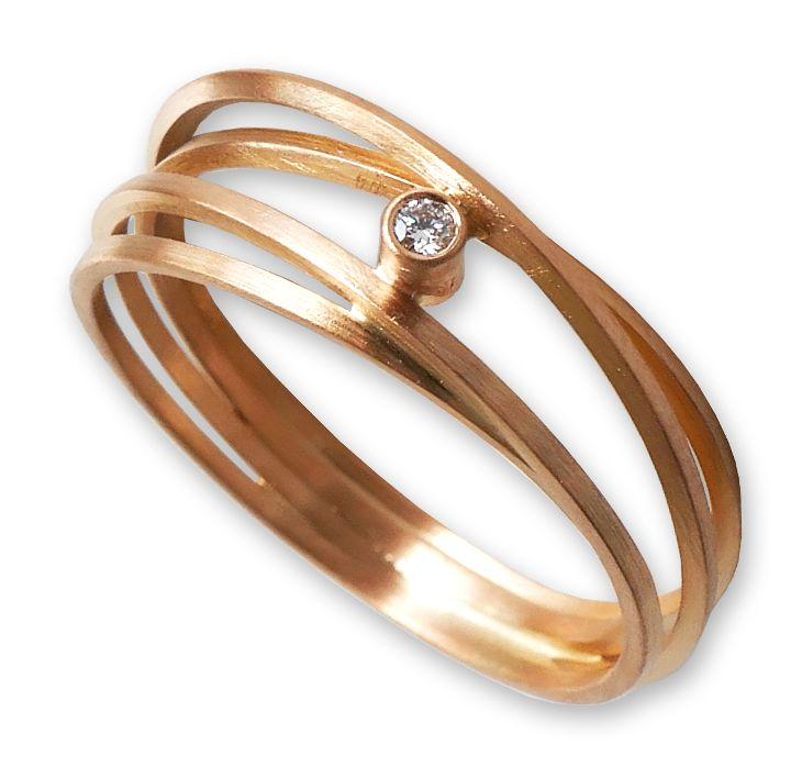 Ring gewickelt  in Rotgold mit Brillant